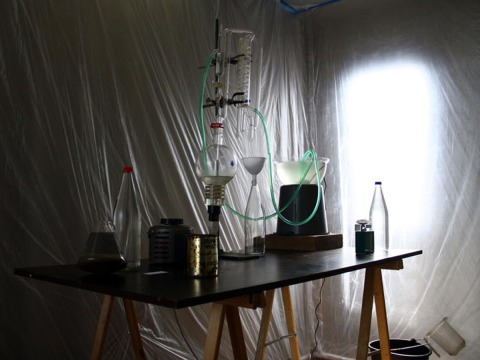 Valerie Dempsey & Ronald Boer, Beach Laboratory, 2010, installation